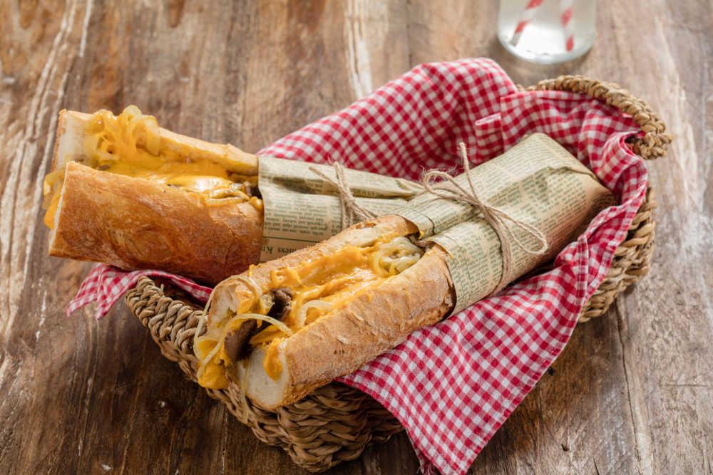 Cheddarlı Bonfile Sandviç