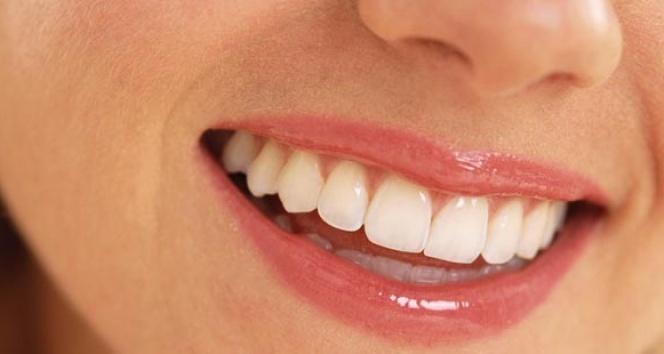 """""""Lifli gıdalar adeta doğal diş fırçası gibi dişlerinizi korur"""""""